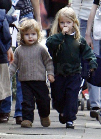 Apple and Moses Martin. Chris Martin & Gwyneth Paltrow have to be THE  coolest parents ever.   写真, ファッション